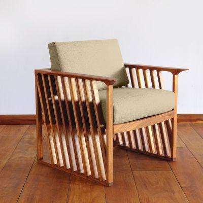 ريجل إن هاوس كرسي خشب منجد بتصميم مميز